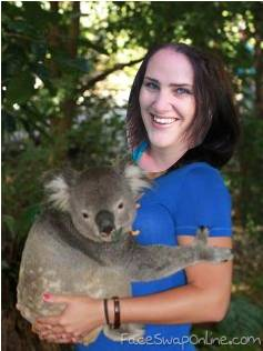 Sandi Holding Koala