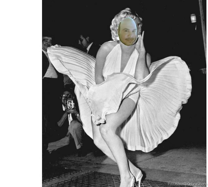 Momo Monroe