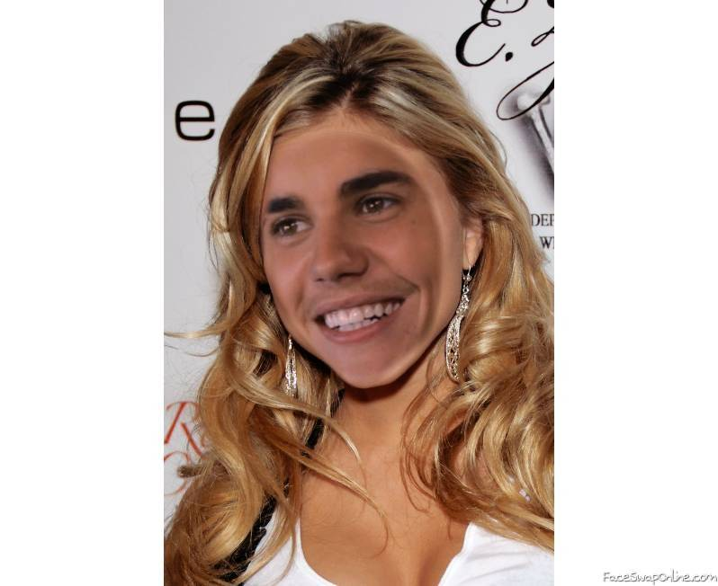 Justin Bieber the sexy girl
