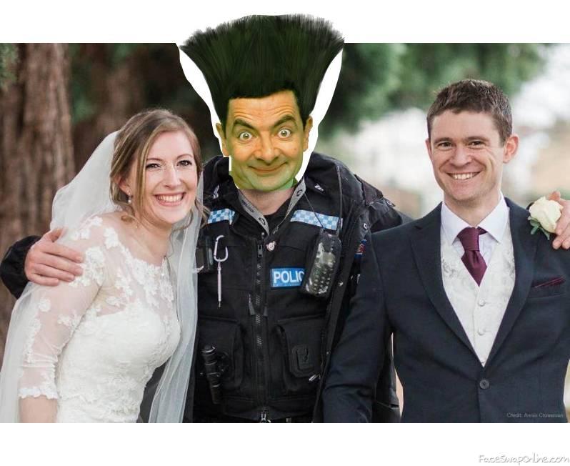 Mr Bean's photobombing of a wedding