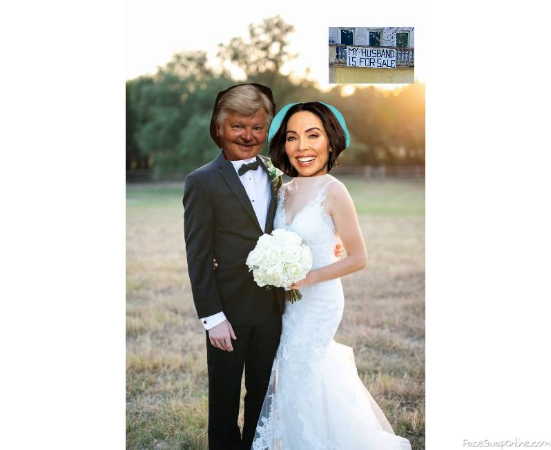 Benny Hill and Whitney Cummings's wedding photo, with a telling sign,,,,