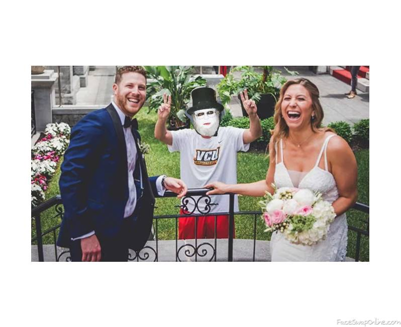 Dr. Creep's photobombing of a couple's wedding