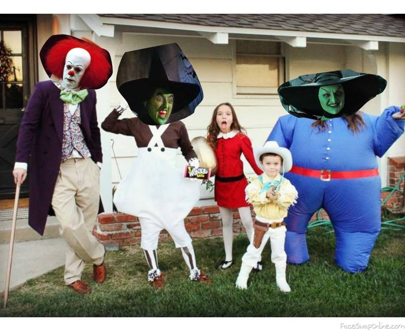 Pennywise, and Wicked Witch of the West with her daughter's 2019 Halloween Family photo