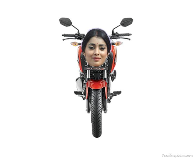 Shriya Saran X Honda CB Hornet 160R
