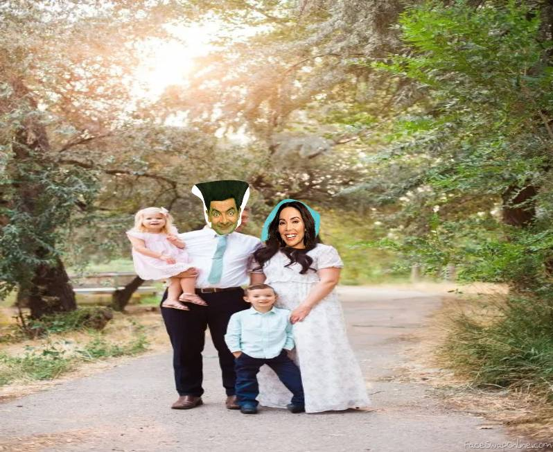 Mr. Bean and Whitney Cumming's 2021 Family picture